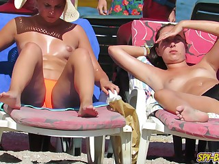 Imported Voyeur Beach Saloon HORNY Teens - Spy-Beach Video